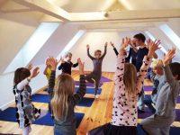 Brug yogaen i dit arbejde med børn