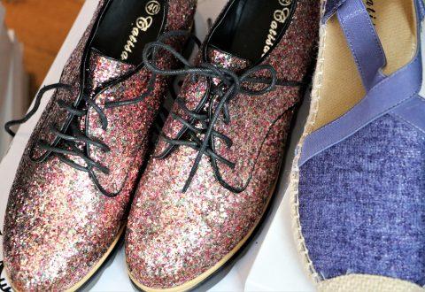 2 par sko til 300 kr.