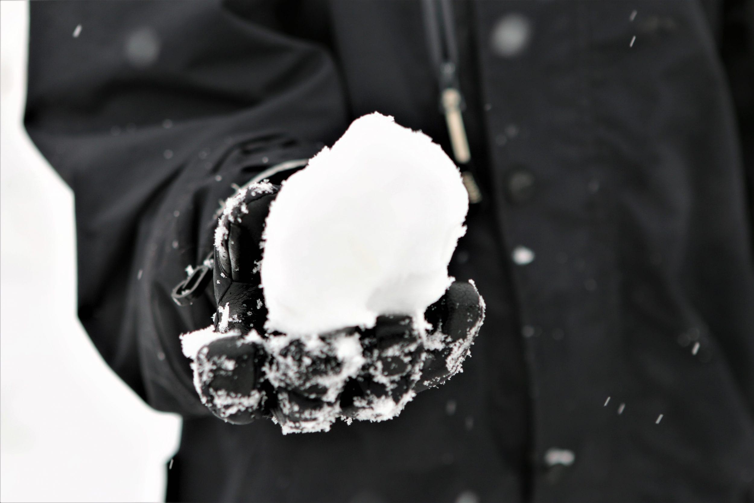 Vinteren er over os - husk at rydde for sne og sikre fortov mod glat føre