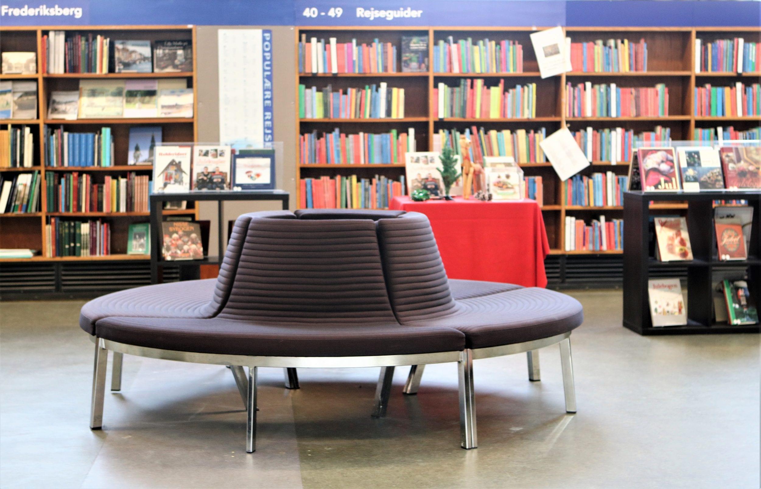 Genåbning: Nu kan der igen lånes fysiske bøger på biblioteket