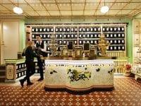 Et af de mange tiltag bag opførelsen af den nye butik på Frederiksberg, der skal bidrage til at genskabe den oprindelige stil fra 1800-tallet, er nye victorianske klinker fra Mosaikhjørnet.