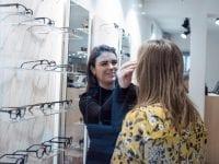 Der bliver frit valg blandt alle briller i butikken på Godthåbsvej 6 med et SÆSON-abonnement hos CrossEyes. Foto: PR.
