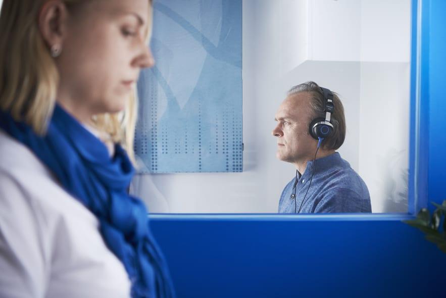 Mennesker med demens får lettere vej til høreundersøgelser på Frederiksberg