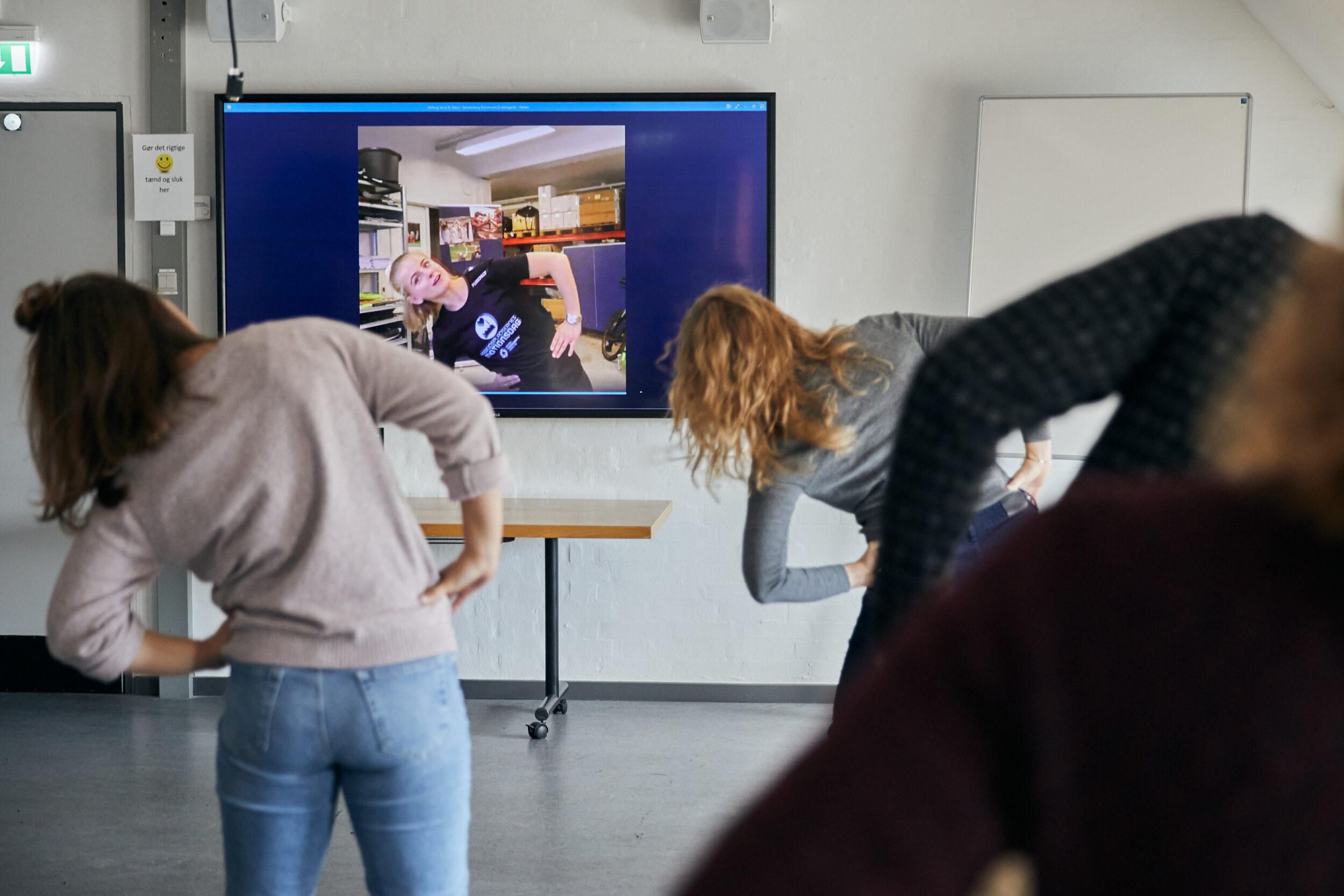 Kollegamotion i en corona-tid: Firmaidrætten inviterer alle danske arbejdspladser til at booke en digital inspirator - gratis