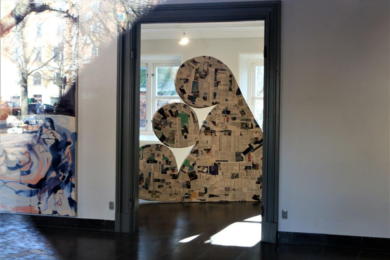 Oplev Møstings Hus-udstillingen Frog Chorus - udefra og online