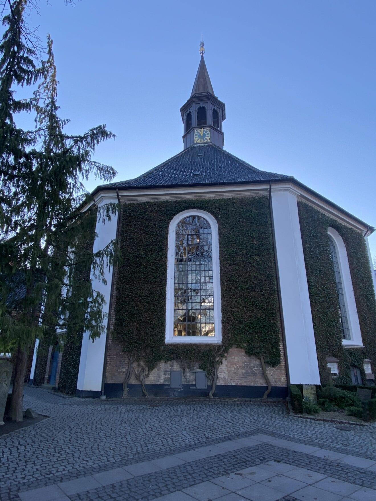 Den smukke kirke